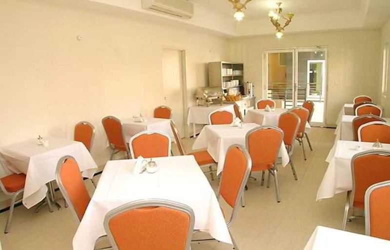 Comfort Inn & Suites Burwood - Restaurant - 4