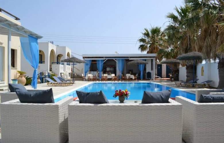 Iliada - Pool - 2