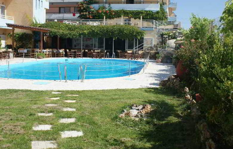 Roxani - Hotel - 8