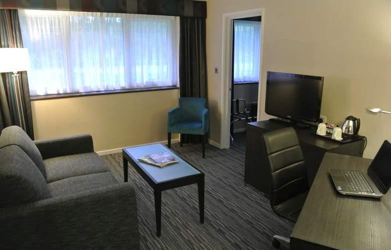 Holiday Inn London Gatwick Worth - Room - 6