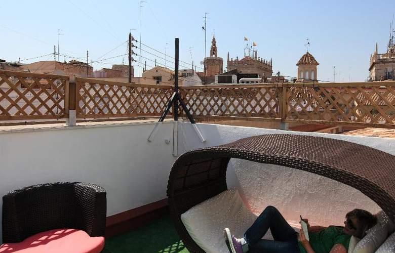 Youth Hostel Center Valencia - Terrace - 17