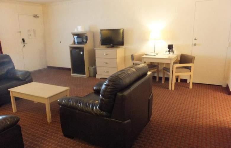 Quality Inn & Suites Lake Havasu City - Room - 5