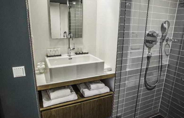 Hotel De Hallen - Room - 12