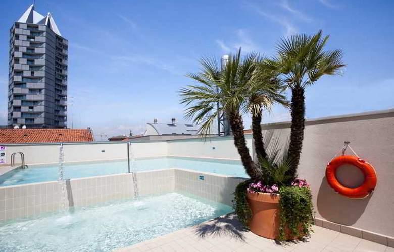 Eden Hotel - Pool - 14