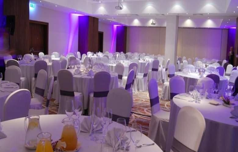 Hilton Garden Inn Rzeszow - Conference - 15