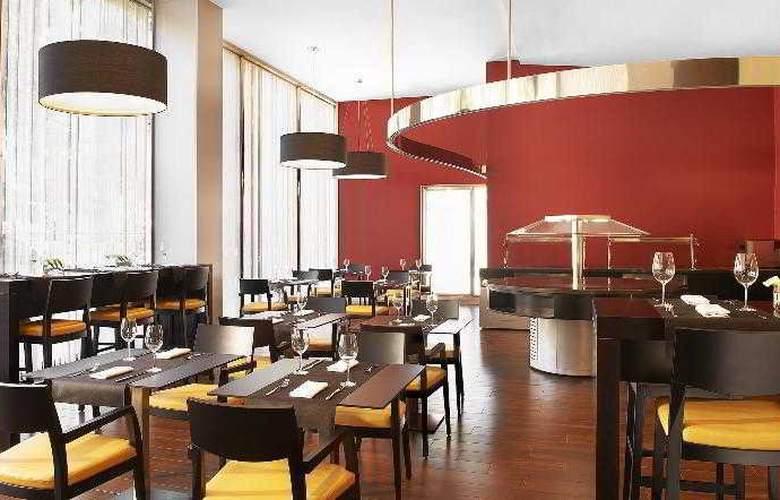 Four Points by Sheraton Barcelona Diagonal - Restaurant - 15