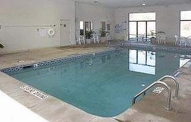 Sleep Inn (Wake Forest) - Pool - 3