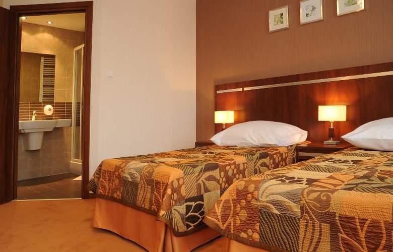 Pttk Wyspianski Hotel - Room - 9