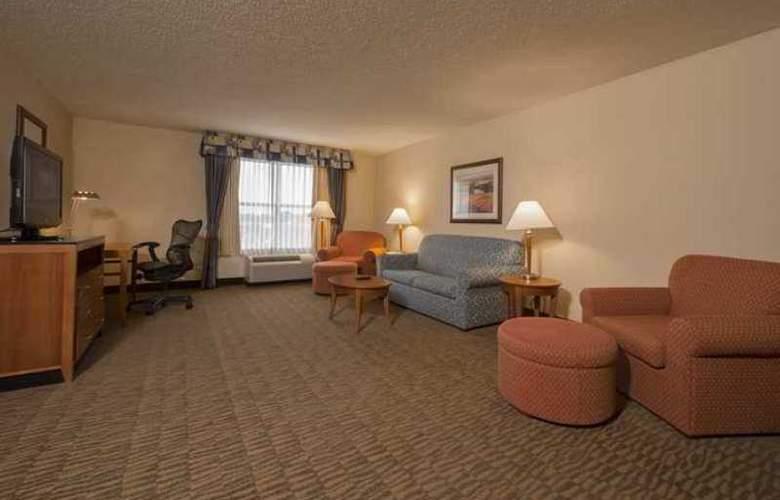 Hilton Garden Inn Madison - Hotel - 7