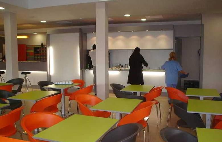 B&B Valencia Aeropuerto - Restaurant - 10
