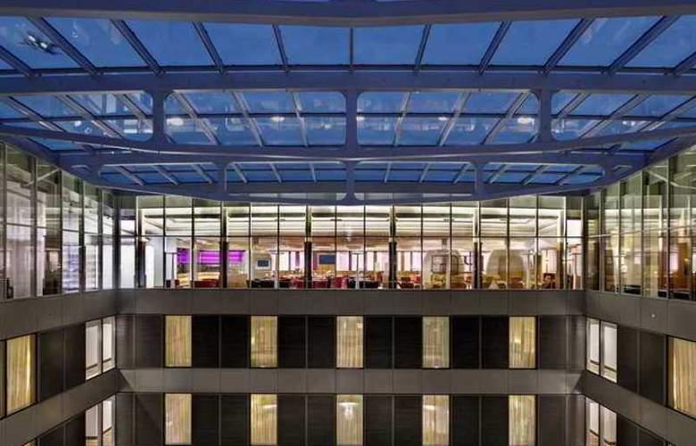 Hilton Frankfurt Airport - Hotel - 4