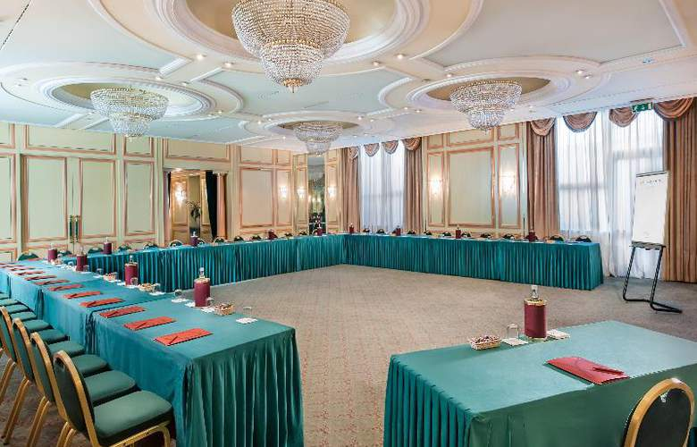 Royal Garden Hotel - Conference - 11