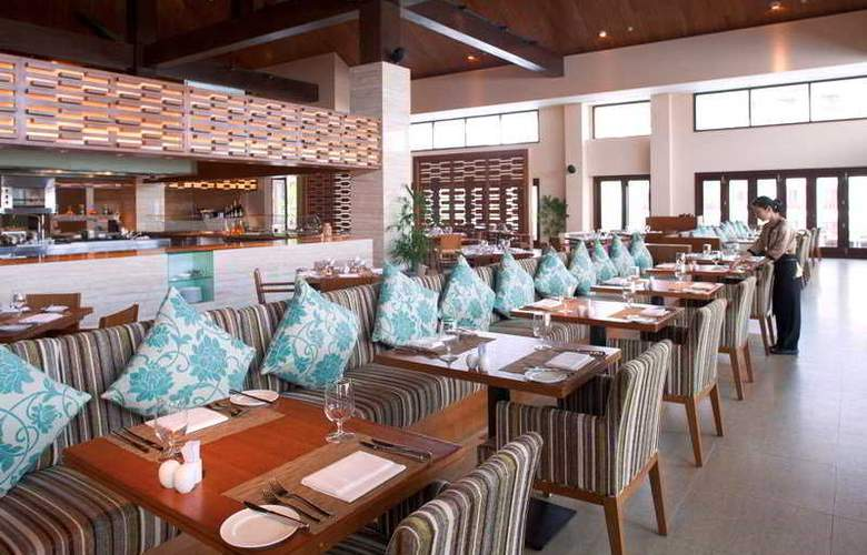 Pullman Danang Beach Resort - Restaurant - 10