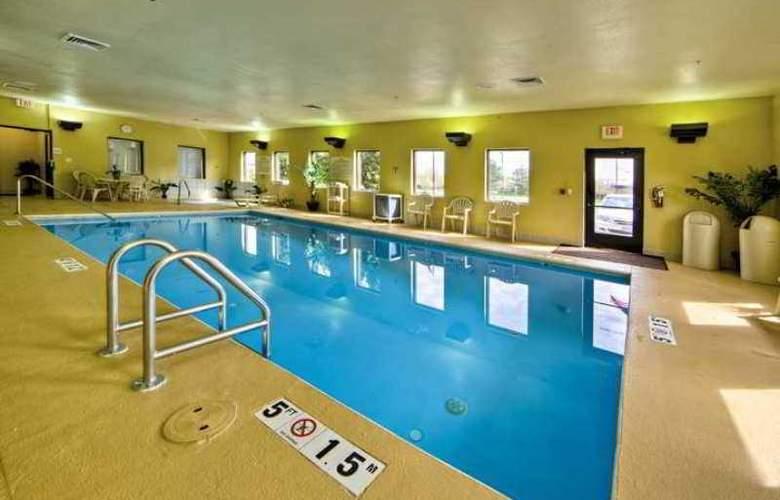 Hampton Inn & Suites Cleveland Airport Middleburg - Hotel - 5