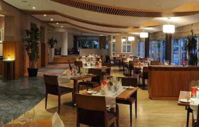 Hilton Bonn - Hotel - 12