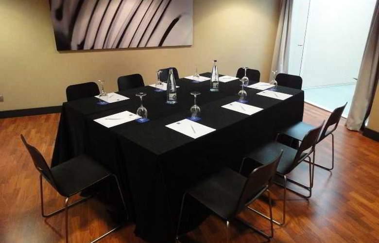 Eurohotel Barcelona Gran Via Fira - Conference - 35