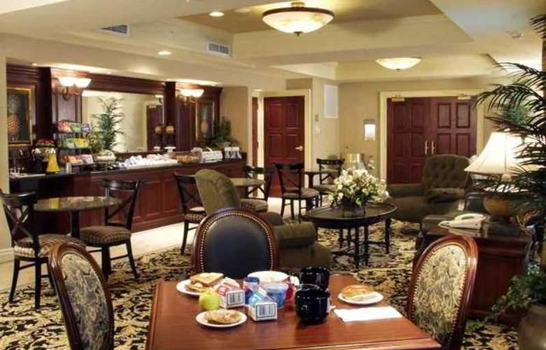 Hampton Inn Bedford - Burlington - Hotel - 4