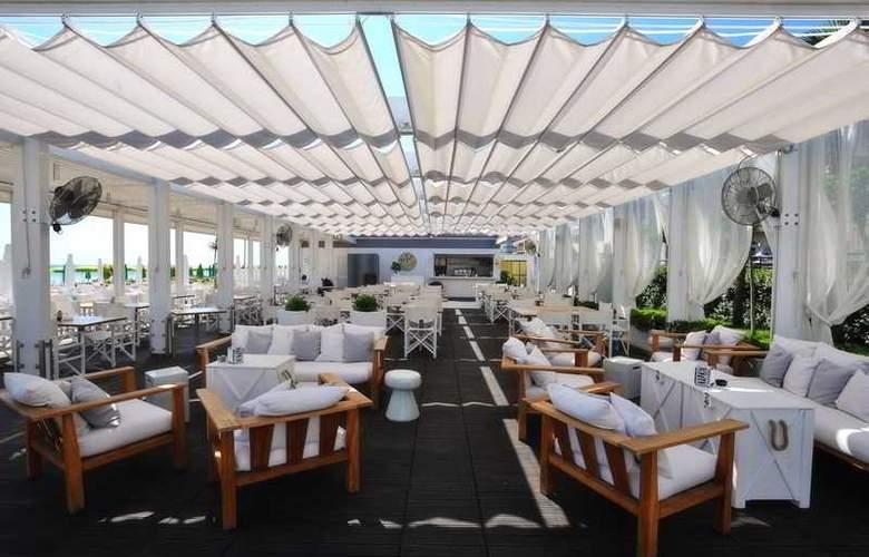 Excelsior Pesaro - Hotel - 11