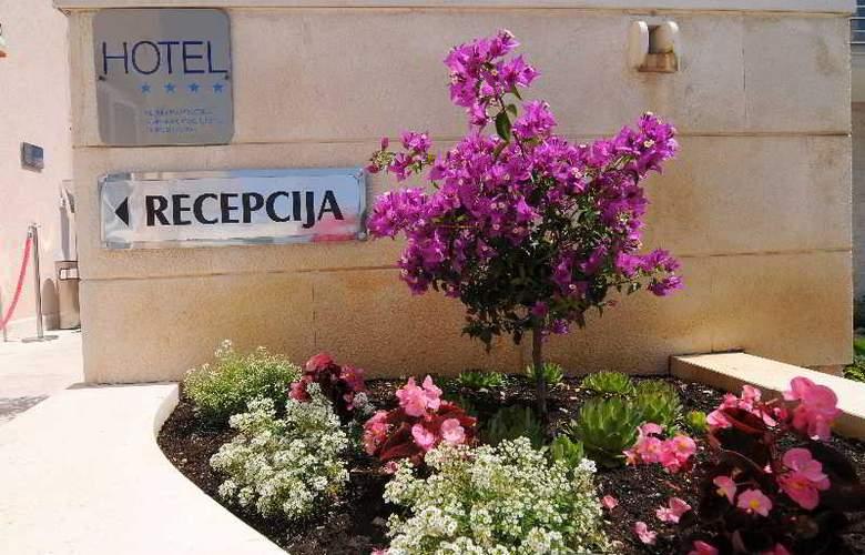 HOTEL ROSINA - Hotel - 9