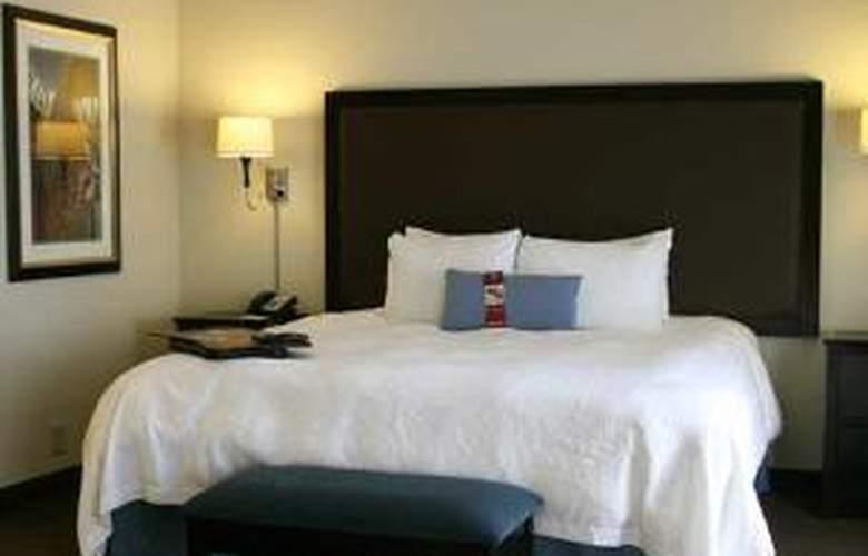 Hampton Inn & Suites Nashville-Downtown - Room - 0