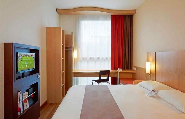 Ibis Warszawa Reduta - Room - 13
