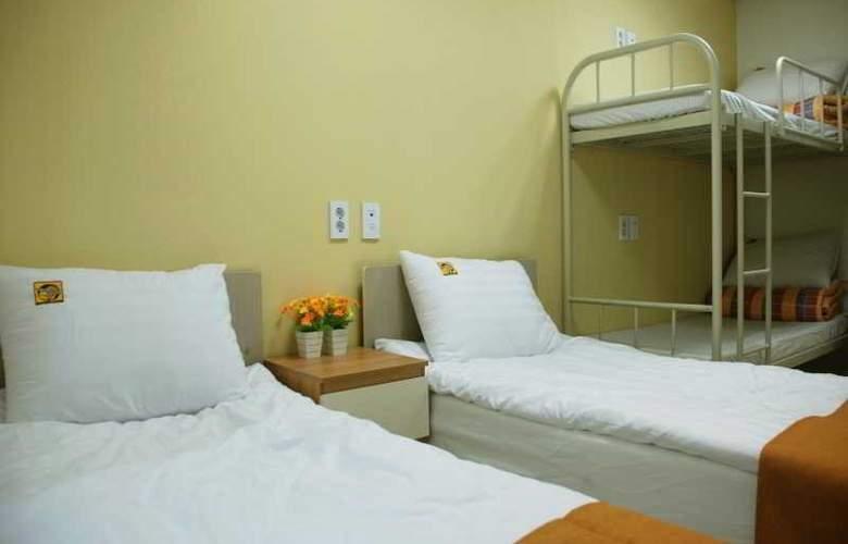 Yellow Brick 2 Hostel - Room - 6