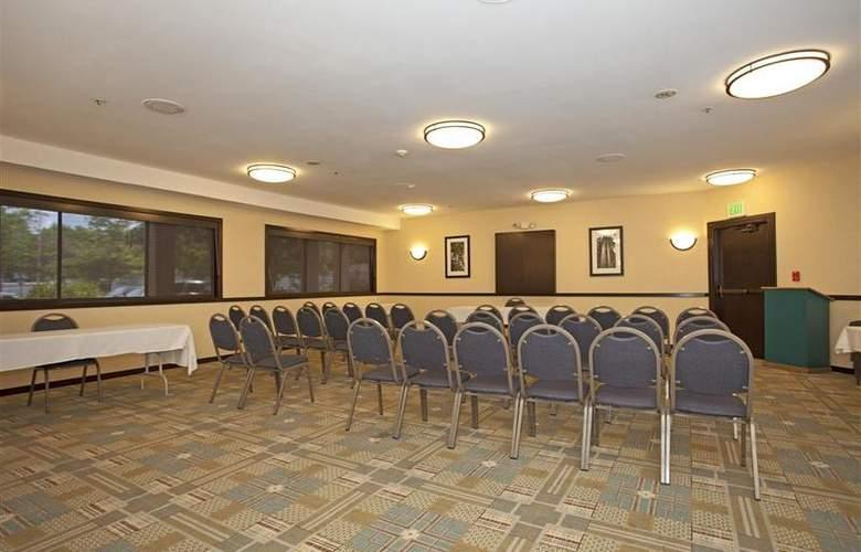 Holiday Inn Express Santa Rosa - Conference - 16