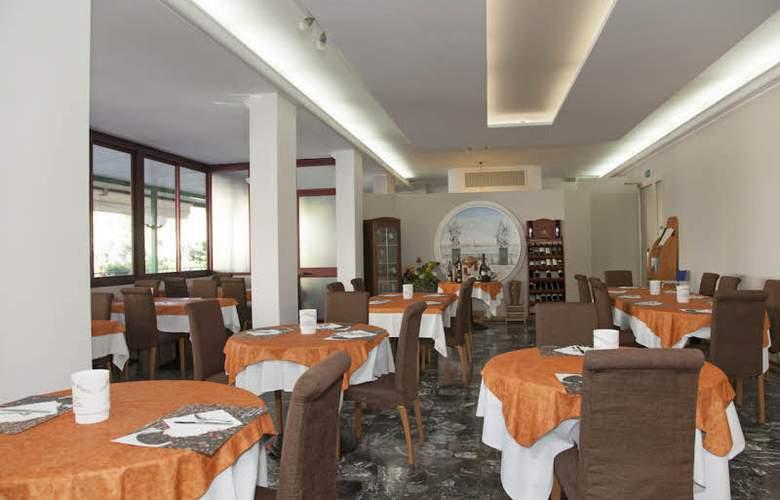 Ute - Restaurant - 3