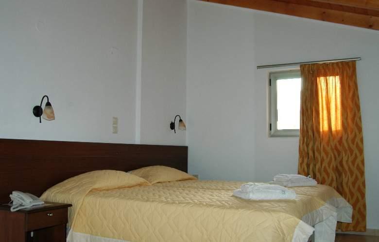 Blue Sky Apartments - Room - 1