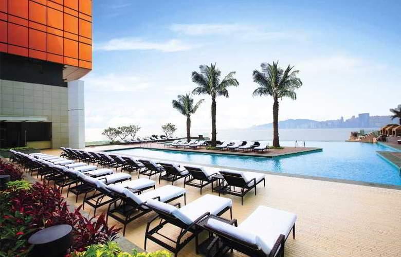 MGM Grand Macau - Pool - 5