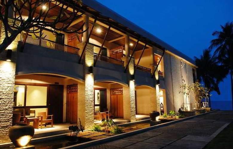 Weekender Resort - General - 1