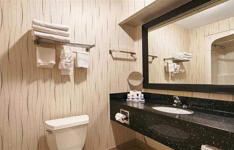 Best Western Plus Travel Hotel Toronto Airport - Hotel - 41