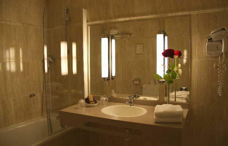 EMERAUDE HOTEL LOUVRE MONTANA - Room - 9