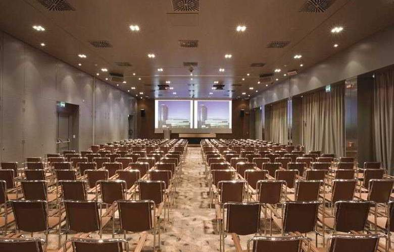 T Hotel - Conference - 3
