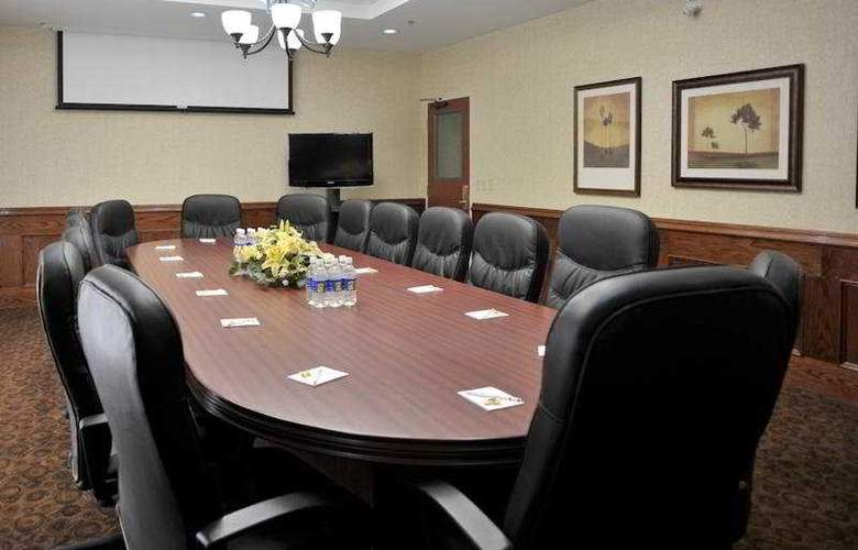 Monte Carlo Inn Barrie Suites - Conference - 10