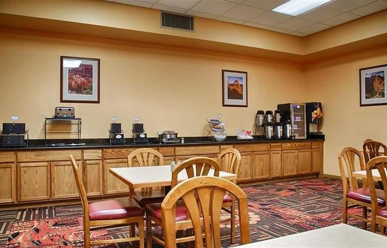 Best Western Red Hills - Restaurant - 96