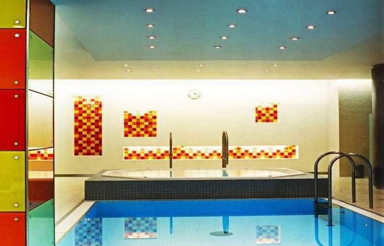 Le Méridien Vienna - Pool - 49