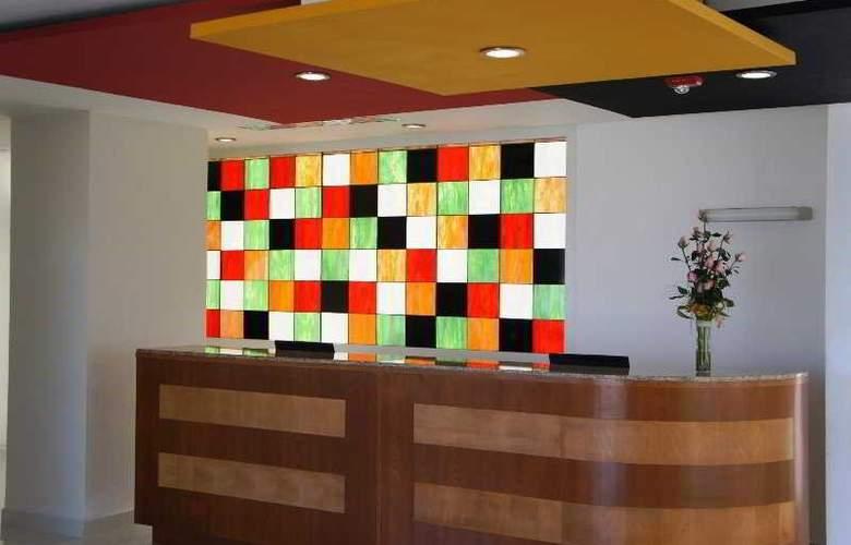 La Quinta Inn & Suites Puebla Palmas - General - 1
