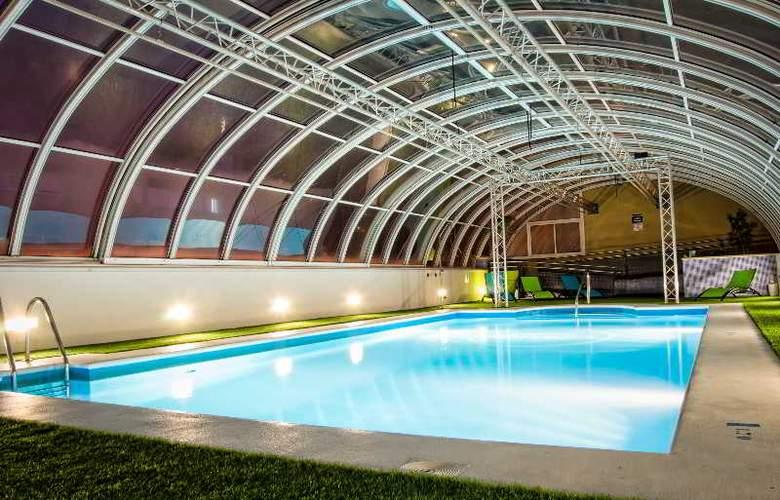 Vertice Sevilla - Pool - 21