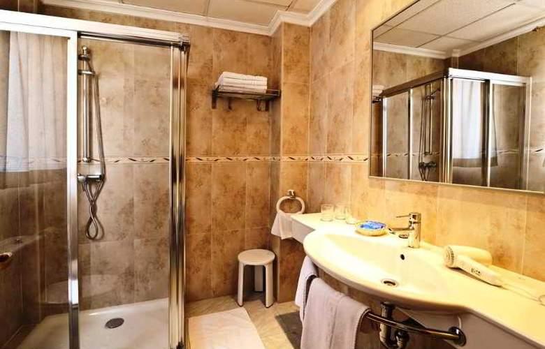 Amoros Hotel - Room - 15