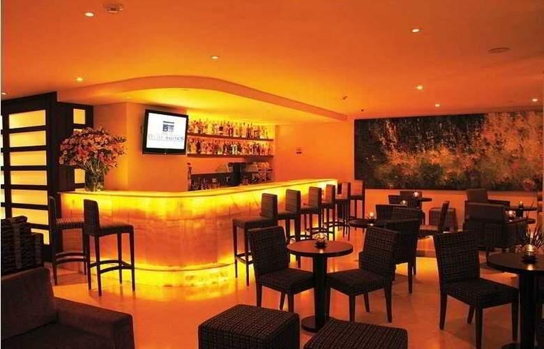 Blue Suites Hotel - Bar - 5