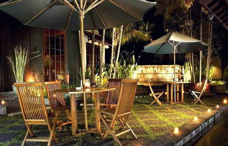 Singgasana Surabaya - Terrace - 10