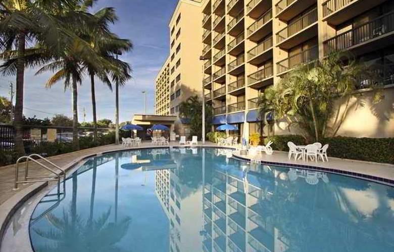 Hampton Inn Cocoa Beach - Hotel - 4