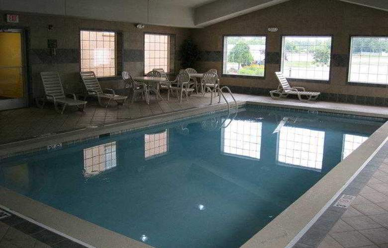 Best Western Executive Inn & Suites - Hotel - 4
