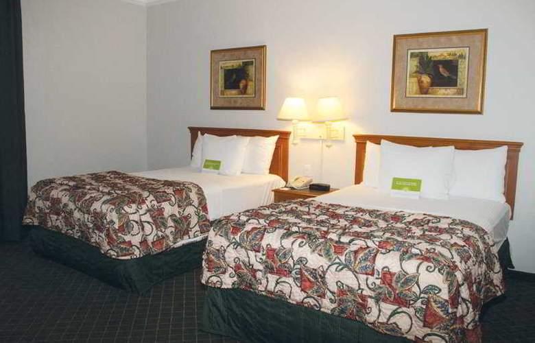 La Quinta Inn & Suites Houston Galleria Area - Room - 4