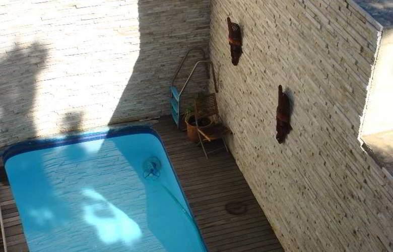Signal Hill Lodge - Pool - 2