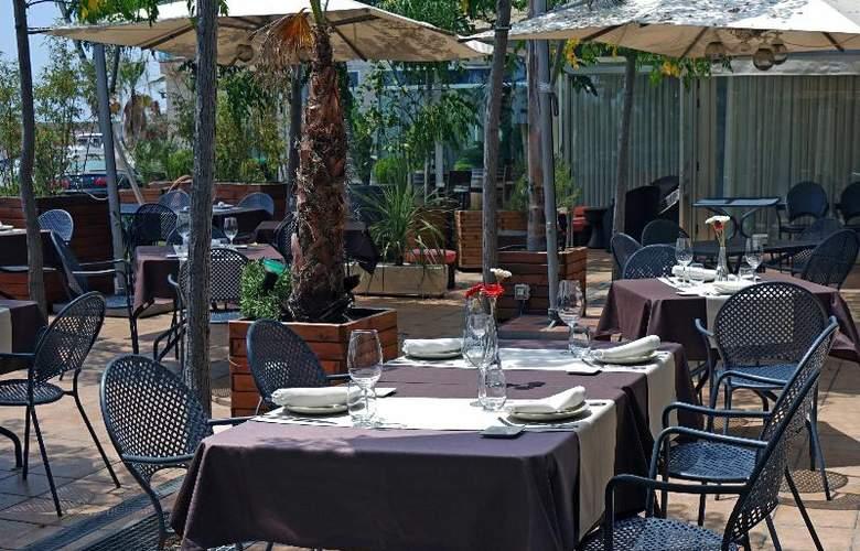 Port Sitges Resort - Terrace - 32