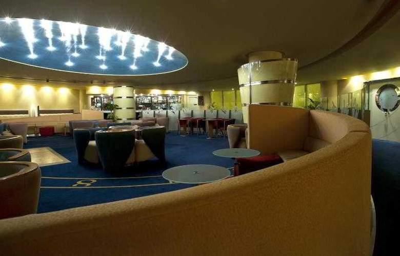 Le Meridien Al Aqah Beach Resort - Hotel - 14
