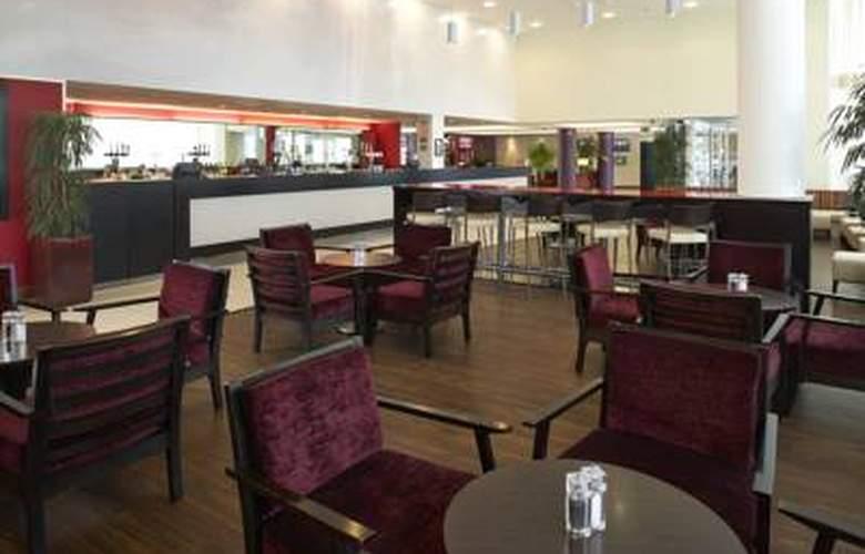 Courtyard London Gatwick Airport - Bar - 1