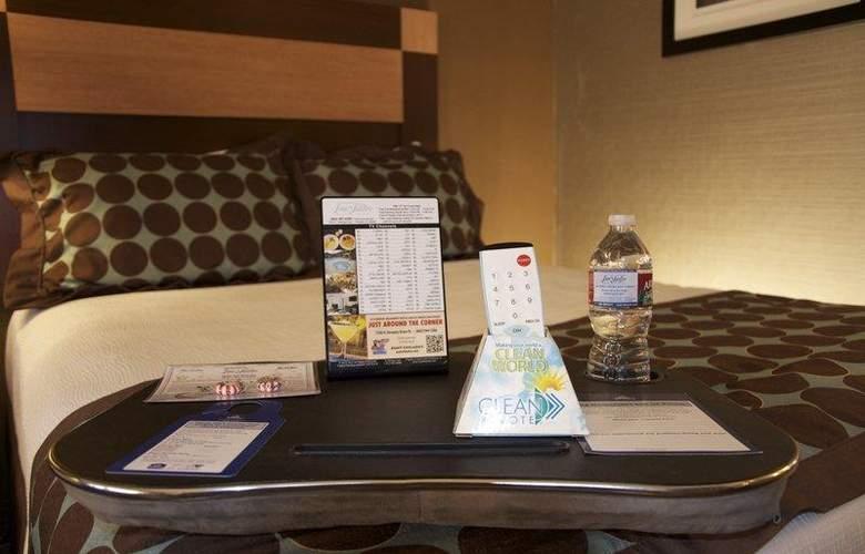 Best Western Plus Innsuites Phoenix Hotel & Suites - Hotel - 7